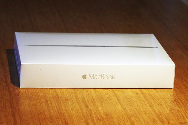 MacBookの美しい外箱